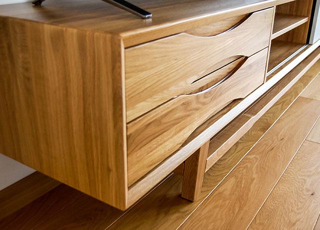 Klasikiniai svetainės baldai