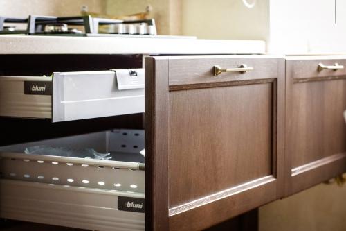 Klasikiniai virtuvės baldai, klasikinio stiliaus virtuvės baldai, BLUM furnitūra